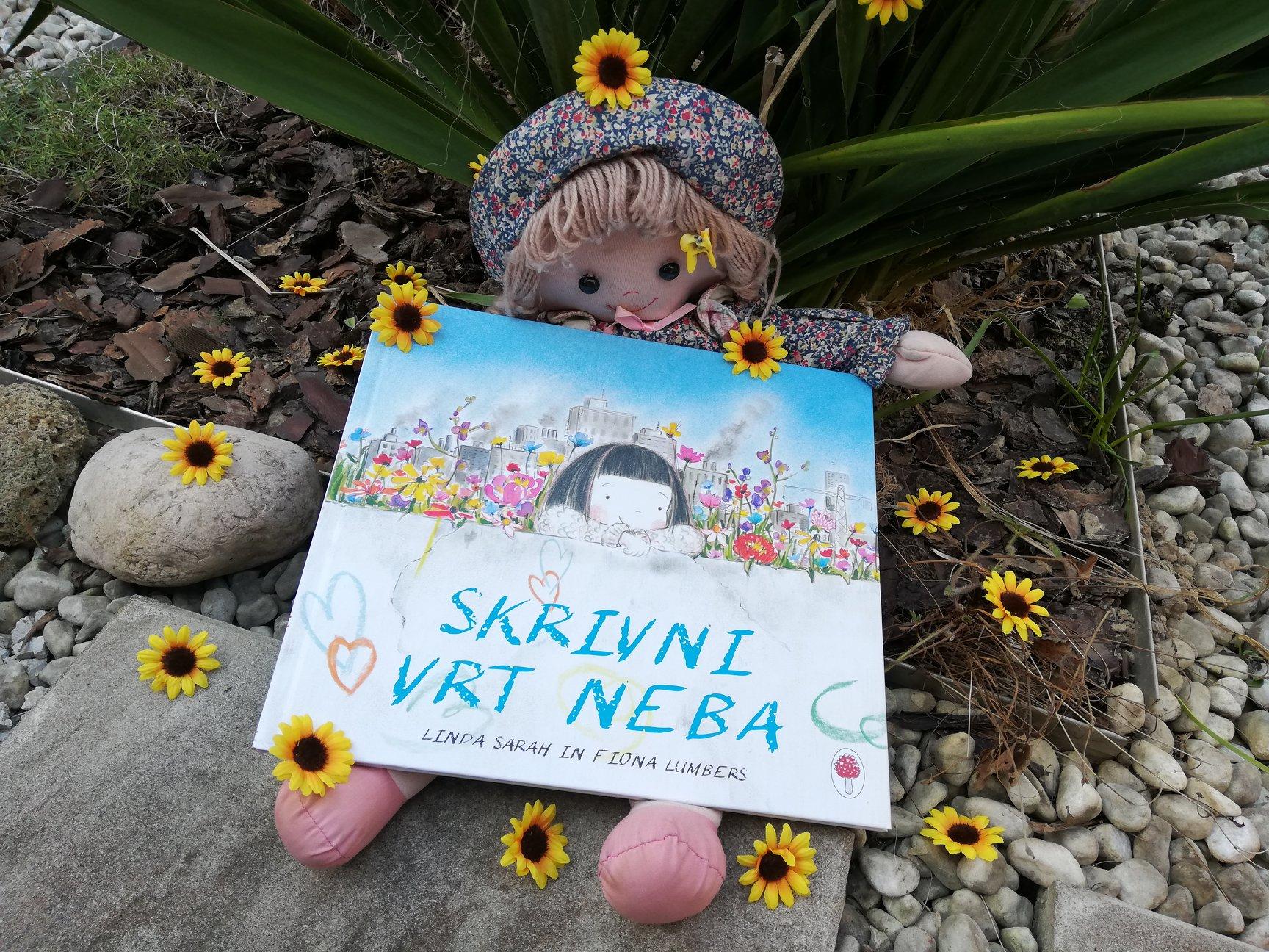 Recenzija, Skrivni vrt neba, mag. Maja Črepinšek, Moj malček, Novo na knjižnih policah